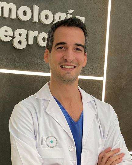 Dr. Andrés Vivas Conejero